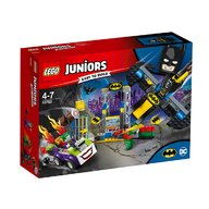LEGO - Atacul lui Joker in Batcave