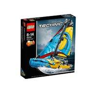 LEGO - Iaht de curse