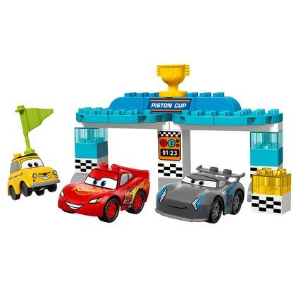 LEGO® Cursa pentru Cupa Piston