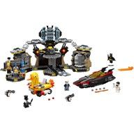 LEGO® Patrunderea in Batcave