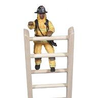 Papo - Figurina Pompier galben pe scara