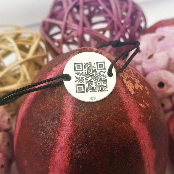 Bratara banut personalizata cu QR code - Argint 925 si snur diverse culori reglabil