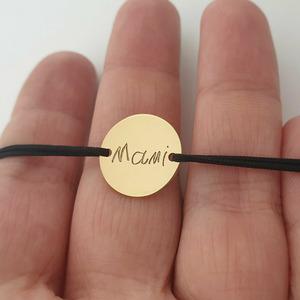 Bratara personalizata - Gravura scrisului de mana - banut de 15 mm - Argint 925 placat cu Aur Galben 14K - snur reglabil