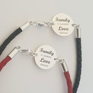 Set doua bratari banut cu mesaj - Family is where love grows - Argint 925, piele impletita