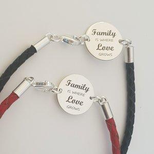 Set doua bratari banut cu mesaj - Family is where love grows - Argint 925, piele impletita