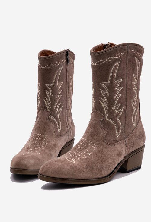 Cizme cowboy din piele intoarsa cu detalii cusute