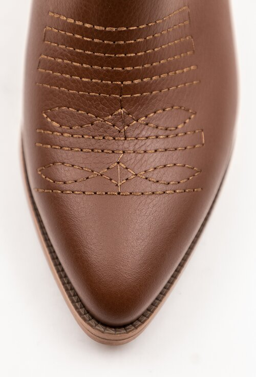 Cizme maro din piele naturala cu detalii cusaturi
