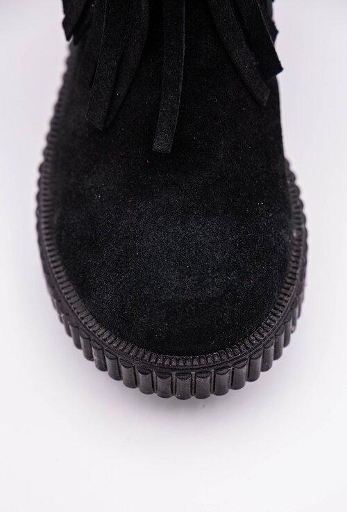 Cizme negre din piele intoarsa cu franjuri