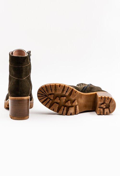 Ghete kaki din piele naturala intoarsa cu siret