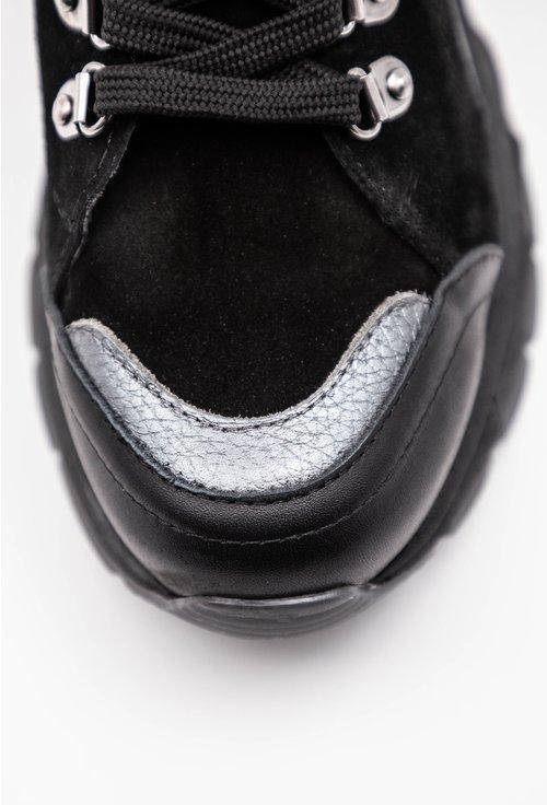 Ghete negre din piele naturala intoarsa cu detalii gri sidefat