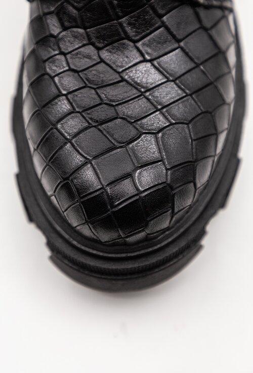 Ghete negre din piele naturala texturata