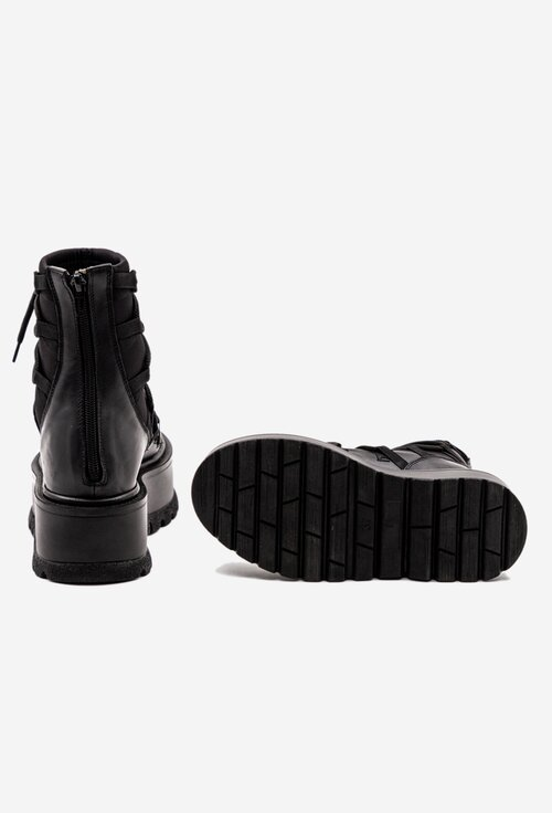 Ghete negre din piele si material textil cu platforma