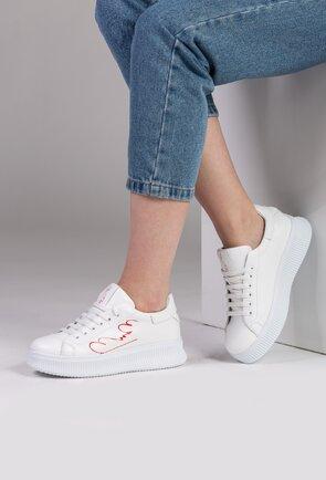 Pantofi albi din piele naturala cu detaliu scris