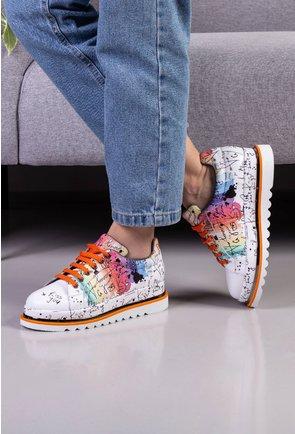 Pantofi albi din piele naturala cu imprimeu colorat si scris