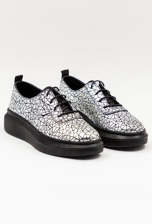 Pantofi argintii din piele naturala cu design abstract