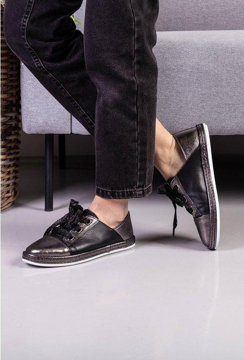 Pantofi casual din piele naturala in nuante de gri metalizat si negru