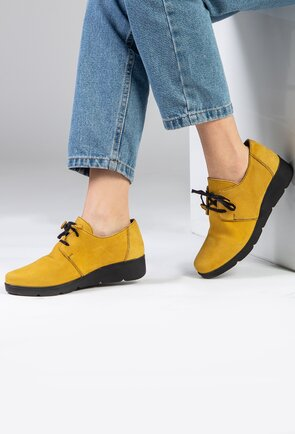 Pantofi casual din piele nuanta galben