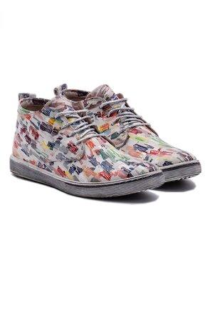 Pantofi casual gri din piele cu detalii colorate