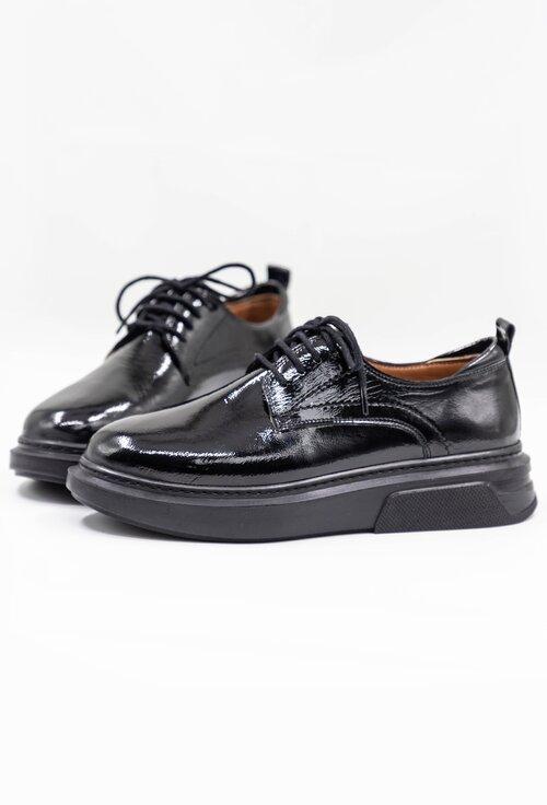 Pantofi casual negri din piele cu aspect lacuit