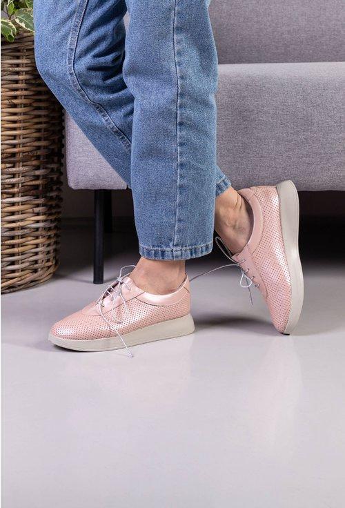 Pantofi casual roz pudra din piele naturala cu design perforat