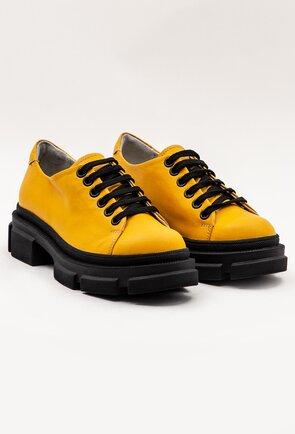 Pantofi galbeni din piele cu talpa neagra