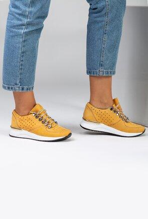Pantofi galbeni din piele naturala intoarsa perforata
