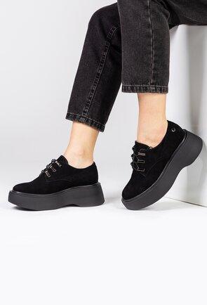 Pantofi negri din piele intoarsa cu platforma si siret