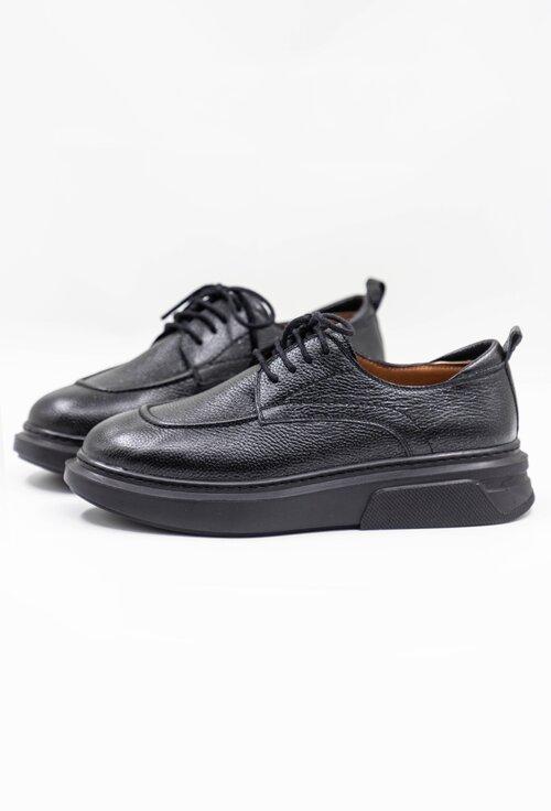 Pantofi negri din piele naturala cu siret in partea din fata