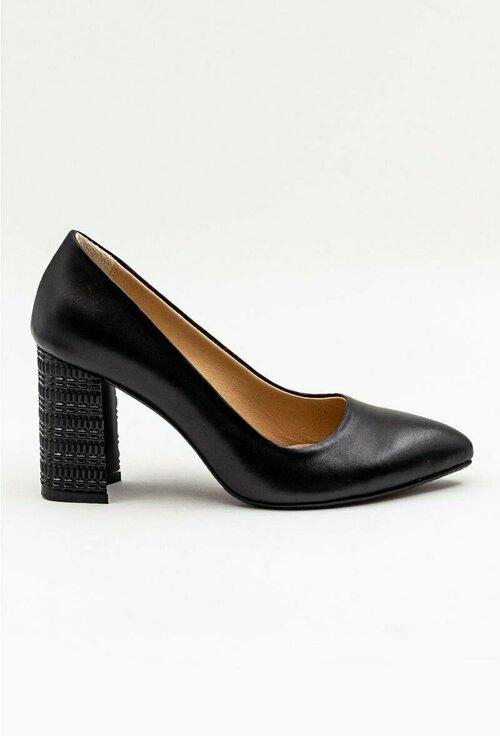 Pantofi negri din piele naturala cu toc deosebit
