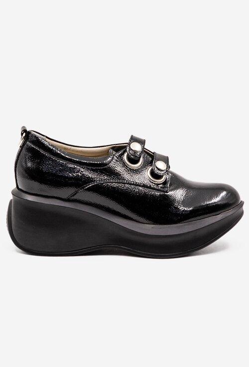 Pantofi negri lacuiti din piele