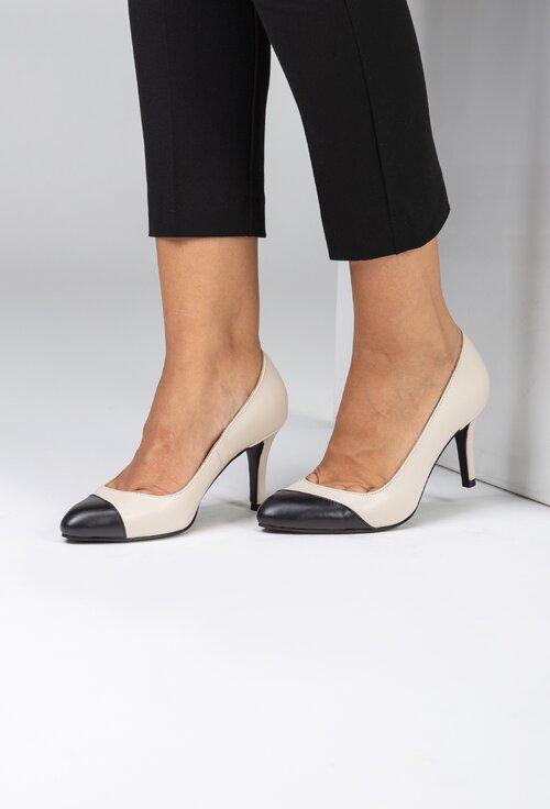 Pantofi office bej din piele naturala cu detaliu negru
