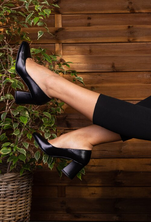 Pantofi office negri din piele naturala cu toc gros