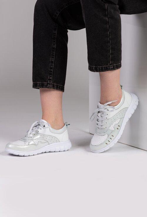 Pantofi sport albi din piele naturala cu detalii argintii