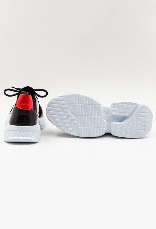 Pantofi sport negri din piele cu detalii rosii si material textil