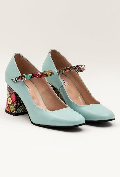 Pantofi turcoaz deschis din piele cu detaliu pe toc