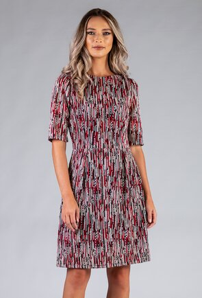 Rochie din material impletit in nuante de rosu, negru si alb