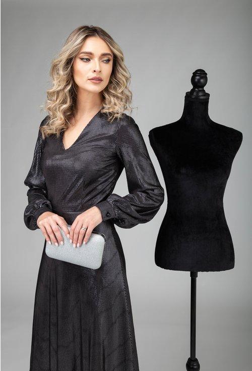 Rochie neagra cu dungi argintii din material plisat