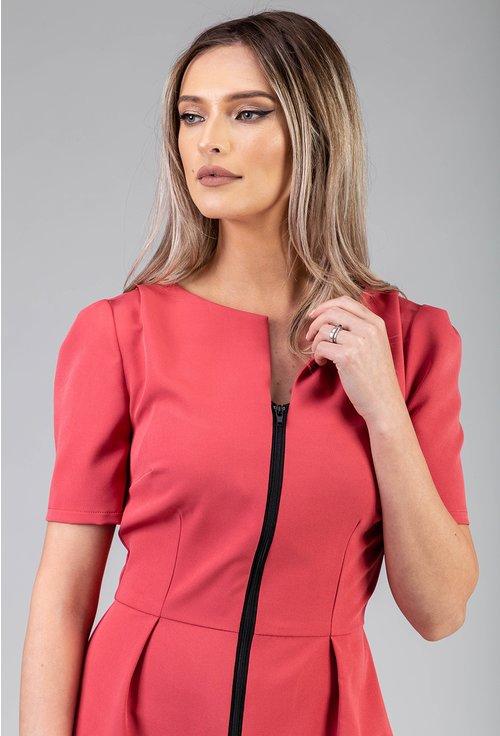 Rochie roz cu fermoar in partea din fata