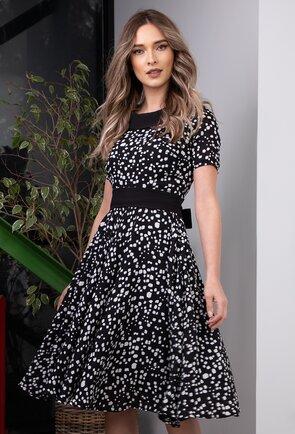 Rochie vaporoasa in nuante de alb si negru cu picatele