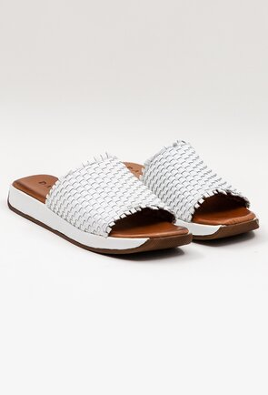 Sandale albe tip papuci din piele naturala