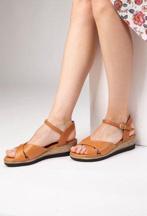 Sandale cu platforma maro aluna din piele naturala Iasmi