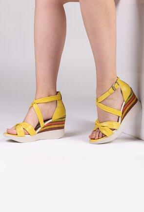 Sandale galbene cu talpa ortopedica