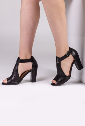 Sandale negre din piele naturala perforata cu toc