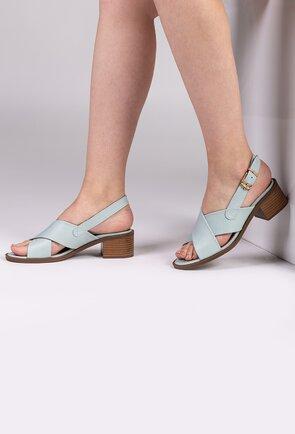 Sandale nuanta bleu deschis din piele naturala