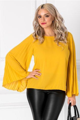 Bluza Adela galben mustar cu maneci evazate plisate