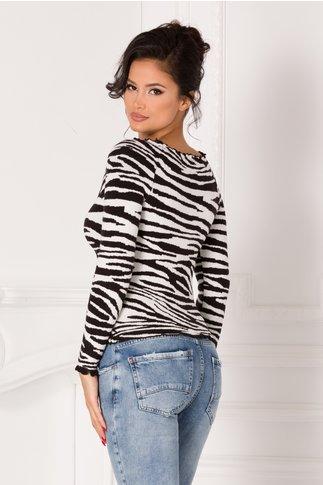 Bluza alba cu nasturi si imprimeu zebra