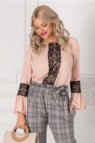 Bluza Alyss roz pudrat cu dantela neagra