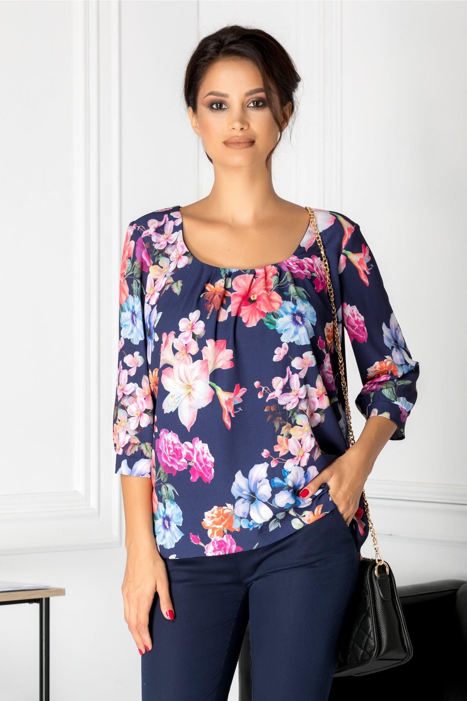 Bluza bleumarin eleganta cu flori colorate