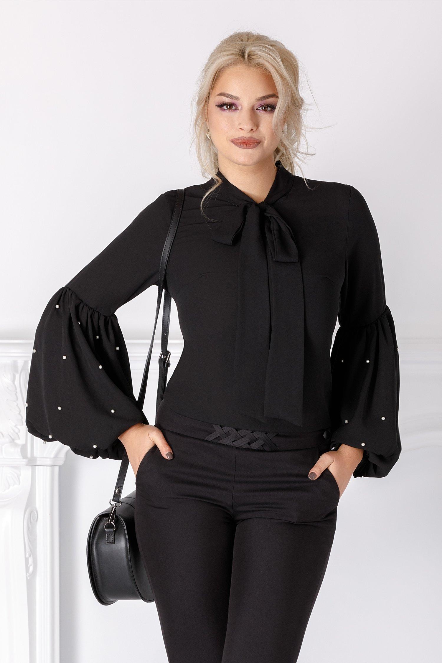 Bluza Brigitte neagra cu maneci bufante si perlute
