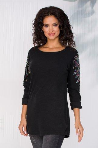 Bluza Camelia neagra cu aplicatii din paiete pe maneci